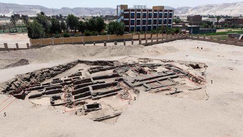 Eine Ausgrabungsstätte in der ägyptischen Wüste