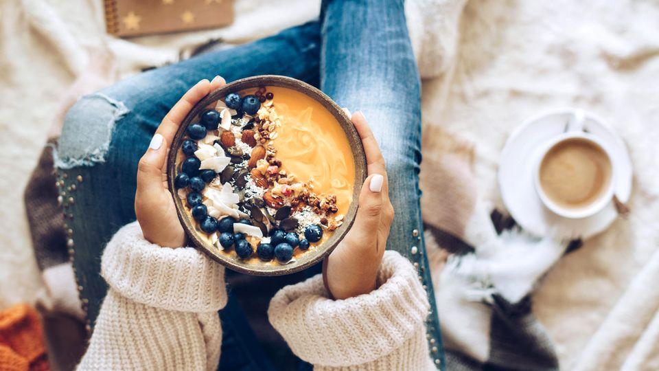Erste Mahlzeit am Tag: Frühstücken ist das neue Rauchen – oder doch nicht? Was wir morgens wirklich essen sollten