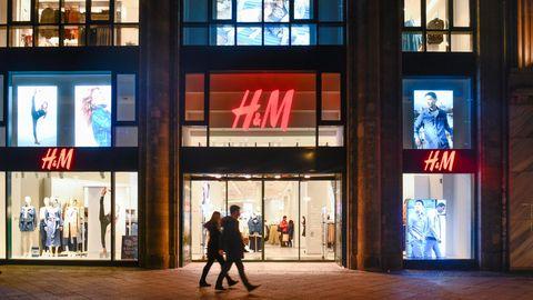 Angeschlagener Modekonzern: Mitarbeiter entlassen, Filialen dicht: H&M steckt in der Abwärtsspirale