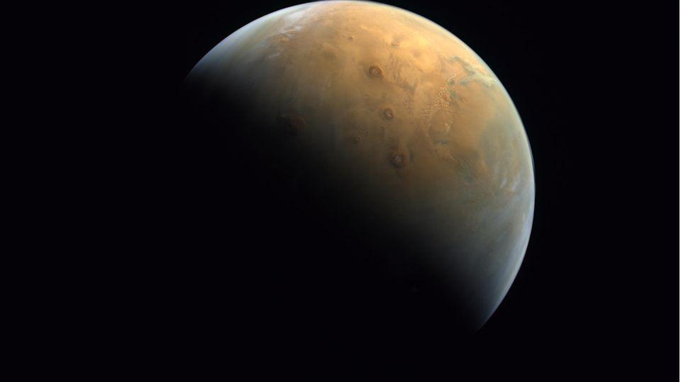Foto des Mars von der Mars-Sonde der Arabischen Emirate