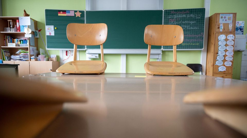 Politiker fordern zusätzliche Programme, damit die Wissenslücken der Schüler wieder aufgeholt werden
