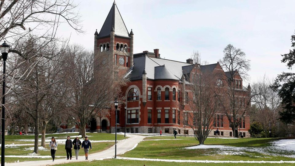 Die historische Thompson Hall an der University of New Hampshire in Durham