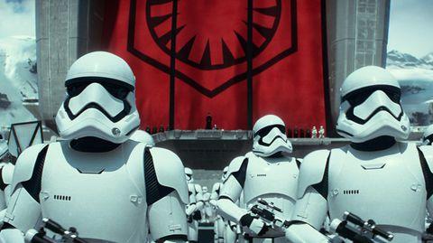 """Sturmtruppen in dem Film """"Das Erwachen der Macht"""" der Star-Wars-Saga aus dem Jahr 2015."""