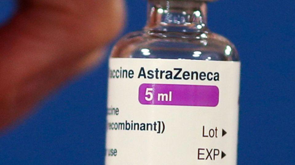 Notfallsanitäter reagiert auf Impfung mit Lähmung