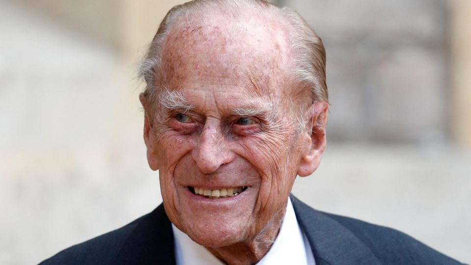 Ehemann von Queen Elizabeth II.: Er fühlte sich unwohl – Prinz Philip ist ins Krankenhaus eingeliefert worden