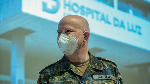Seit dem 3. Februar istOberstarzt Jens-Peter Evers mit seinem Team Hospital da Luz in Lissabon im Einsatz