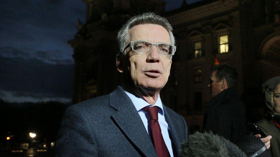 Ex-Innen- und -Verteidigungsminister Thomas de Maizière hat ein Buch über gute Führung geschrieben