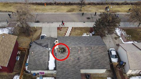 USA: Loch in Dach nachdem Flugzeug Teile verlor