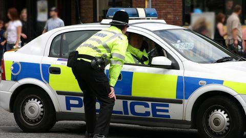 Teenager stehlen Auto in Birmingham – mit an Bord sind zwei Kleinkinder