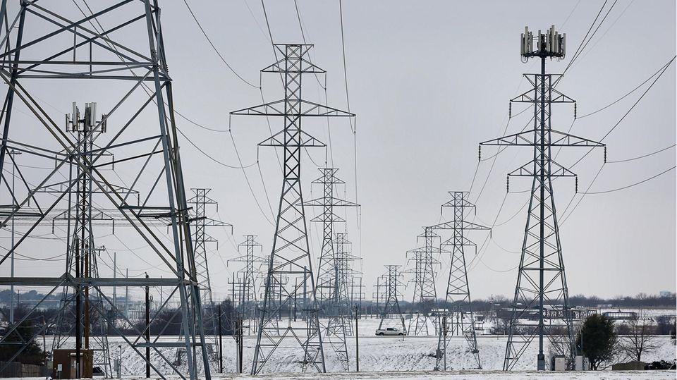 Die schweren Winterstürme haben viele Menschen in Texas zeitweise von der Stromversorgung abgeschnitten