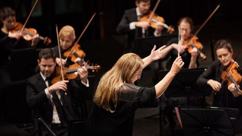 Internationale Dirigentin Simone Young