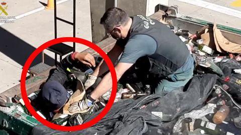 Beben in Spanien: Verängstigte Menschen schlafen im Freien