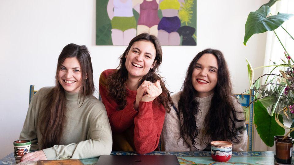 Lisa Pardey und ihre Mitarbeiterinnen Jenny Wicher (links) und Lena Paulmichl (rechts).