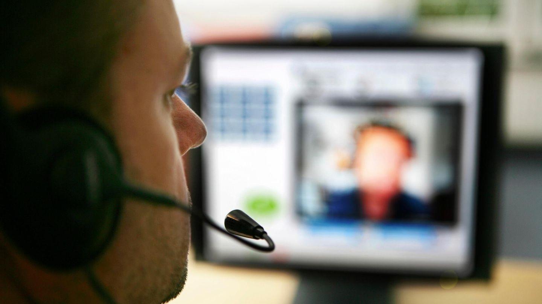 Ein Mann in einer Videokonferenz (Symbolbild)