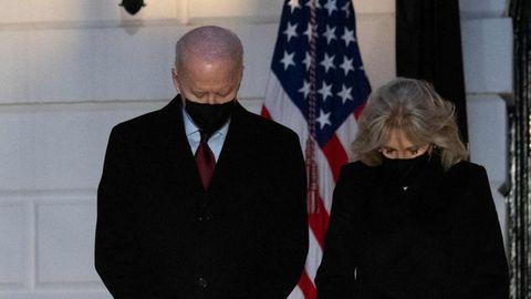 Joe und Jill Biden gedenken am Weißen Haus der 500.000 Corona-Toten in den USA