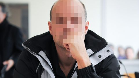 Der Angeklagte Thomas Drach sitzt im Saal 288 des Landgerichts