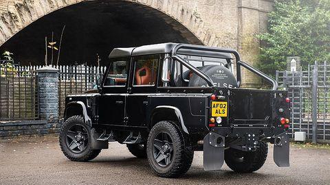 Die Cheslea Truck Company verwandelt einen klassischen Land Rover Defender 110 in einen Pickup