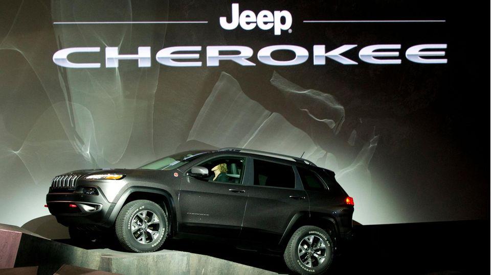 """Die Firma Jeep nutzt den Namen """"Cherokee"""" mit Unterbrechungen seit den 1970ern"""
