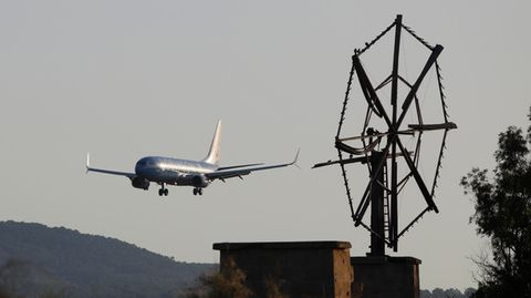 Ferienflieger im Landanflug auf Mallorca