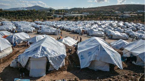 Lesbos: Schwangere zündet sich in Flüchtlingslager selbst an