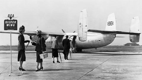 Airspeed AS.57 Ambassador  Dieses zweimotorige britische Verkehrsflugzeug gehörte zu den ersten mit einer Druckkabine. Ab 1952 stießes zur Flotte von British European Airways (BEA) und bot zwischen London und Paris den .Silver Wing Service.