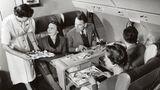 Vickers Viscount  Blick in die First Class: Die bis zu 75 Passagiere fassende Maschine war sehr erfolgreich. Bis 1964 hatte Vickers 443 Maschinen produziert, die bei vielen Fluggesellschaften zum Einsatz kam, darunter auch bei der Deutschen Lufthansa und dem Condor Flugdienst.
