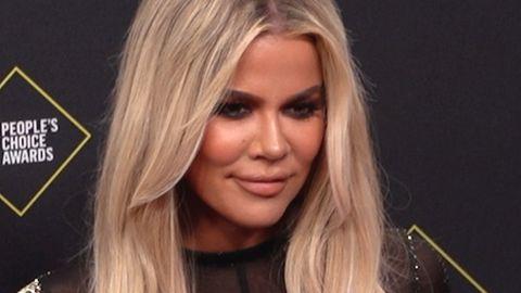 """""""Kein Photoshop-Fail"""" – Khloe Kardashian verteidigt """"verzerrtes"""" Kampagnen-Bild"""