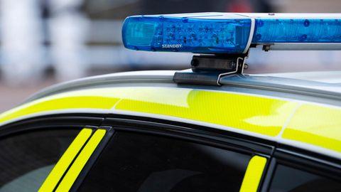 Blaulicht auf einem Streifenwagen in Schweden