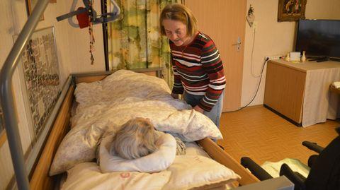 Lissi pflegt ihre Mutter