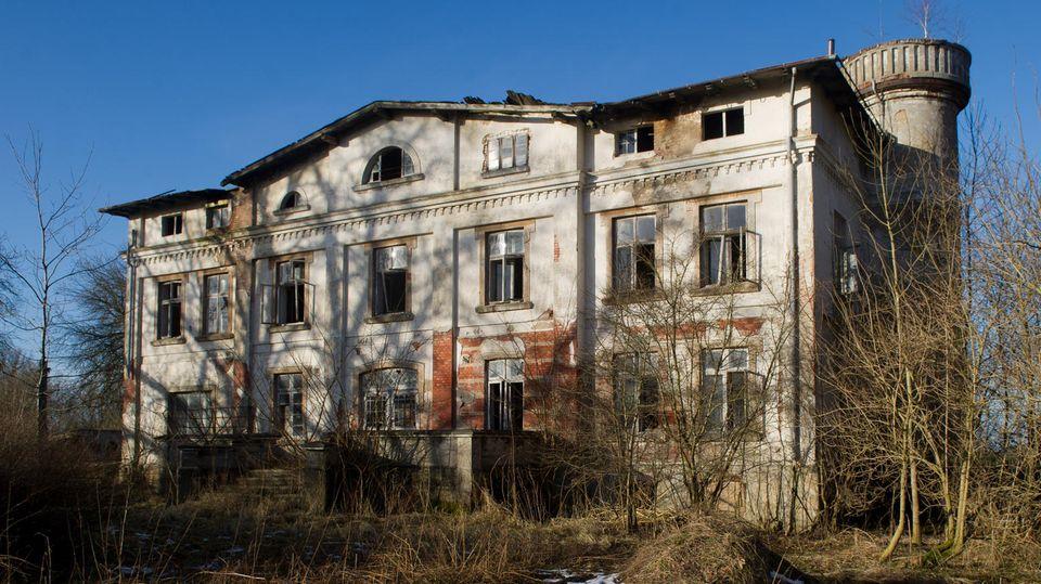 Herrenhaus in Neparmitz
