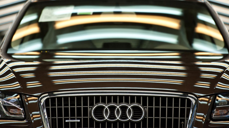 Ein Audi Q5 steht in der Produktion