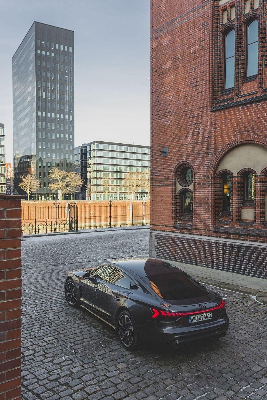 Audi e-tron GT hat eine größere Reichweite als der Technikbruder Porsche Taycan