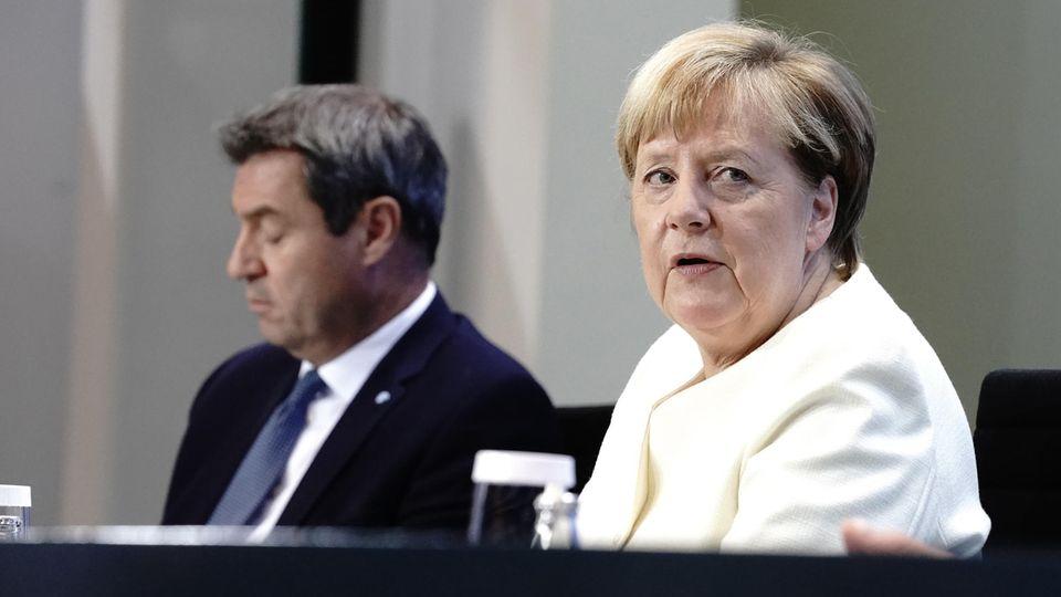 Bundeskanzlerin Angela Merkel (CDU) und Bayerns Ministerpräsident Markus Söder (CSU)