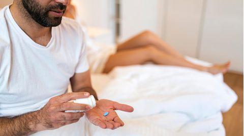 Wechseljahre des Mannes: Was tun bei Erektionsproblemen? Das sollten sie über Testosteron-Gel und Potenzmittel wissen