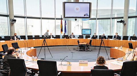 """""""Pflege in Würde"""": Nach der Anhörung im Bundestag: So geht es weiter mit der Pflege-Petition"""