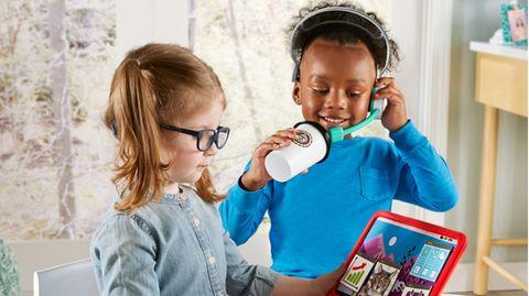 """Mit dem """"My Home Office""""-Set von Fisher-Price können Kinder das Arbeiten von zu Hause nachahmen."""