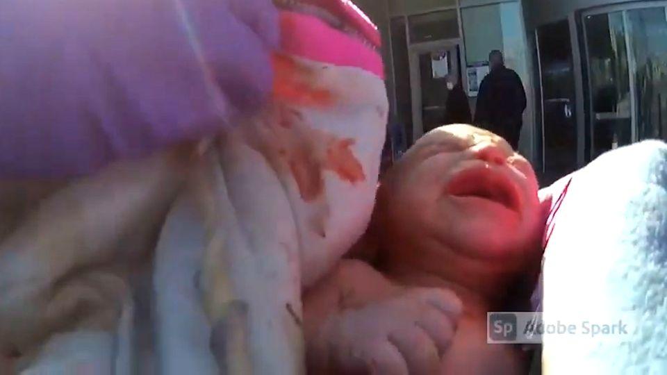 USA: Mutter bringt Baby auf Krankenhaus-Parkplatz zur Welt