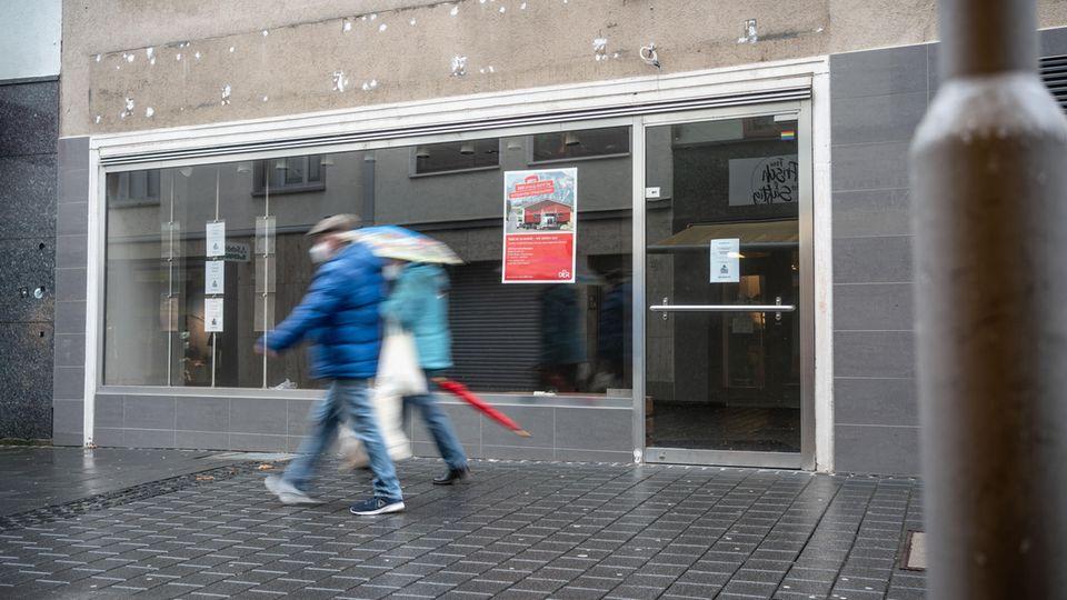 Leer steht ein ehemalige Reisebüro in der Mainzer Innenstadt
