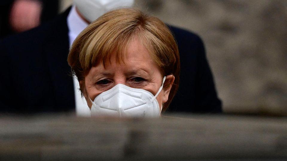 Bundeskanzlerin Angela Merkel (CDU) sollte das Heft mehr in die Hand nehmen, meint unser Autor