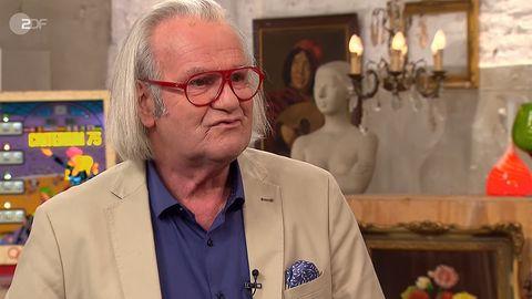 Bares für Rares Experte Albert Maier steht im Studio in Pulheim