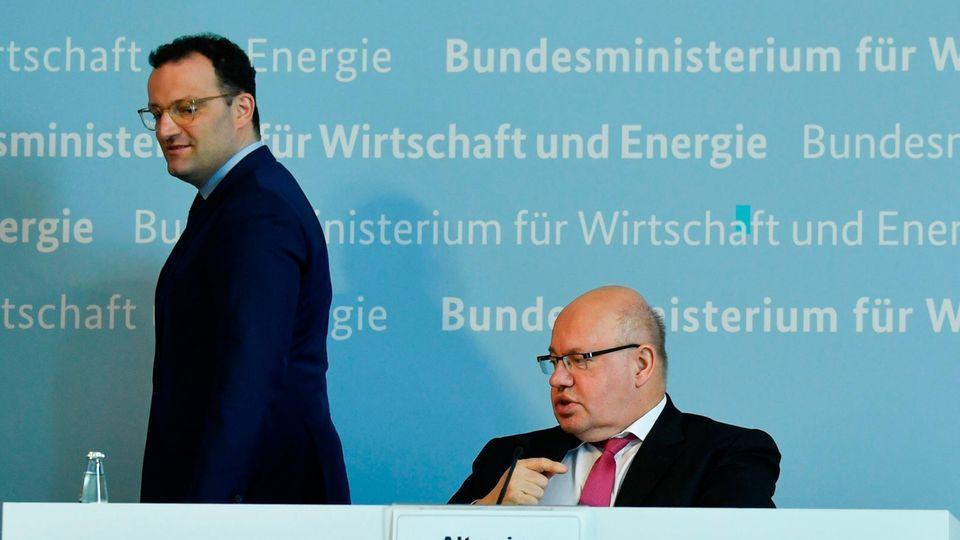Bundesgesundheitsminister Jens Spahn (l.) und Bundeswirtschaftsminister Peter Altmaier (beide CDU)