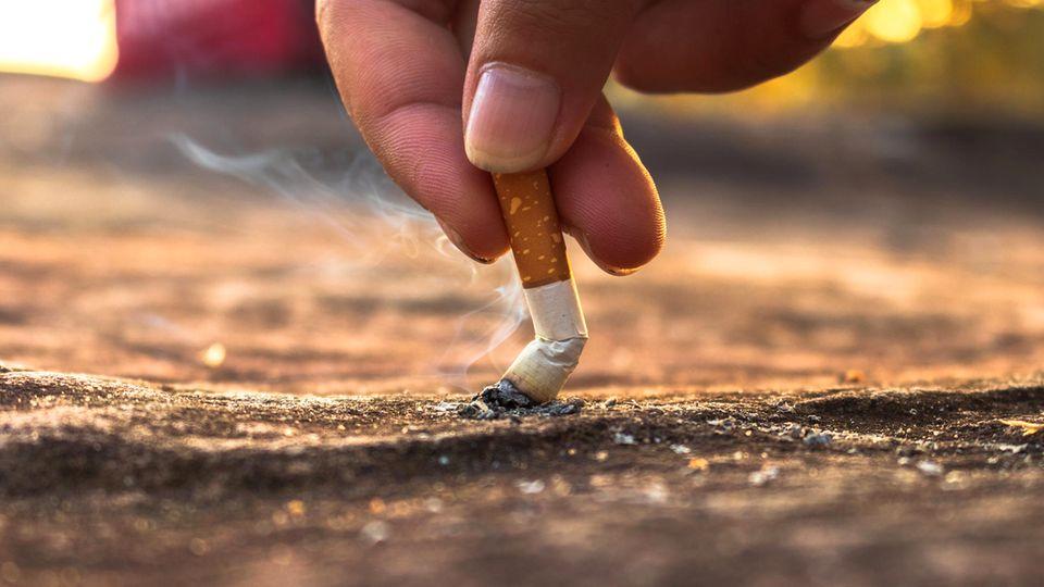 Suchtmediziner Anil Batra: Experte erklärt, wie man es schafft, mit dem Rauchen aufzuhören