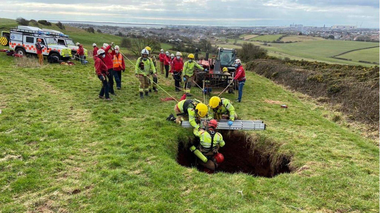 Das Loch war den Angaben zufolge rund 18 Meter tief
