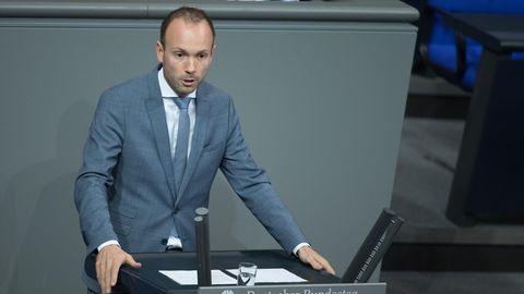 News - Nikolas Löbel