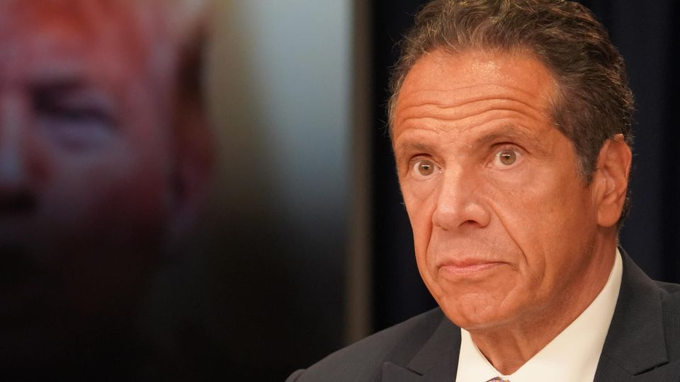 New Yorks GouverneurCuomo lehnt Rücktritt ab