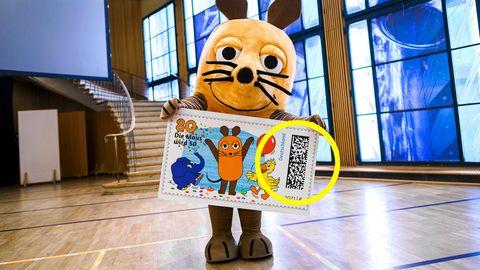"""Sonderbriefmarke zum 50-jährigen Jubiläum der """"Sendung mit der Maus"""" mit Matrixcode"""