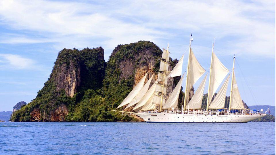 """Segelschiff """"Star Fyer"""" in der Adaman-See, Thailand"""
