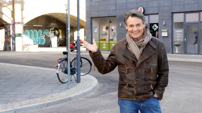 GZSZ-Schauspieler Wolfgang Bahro am neuen Außenset,