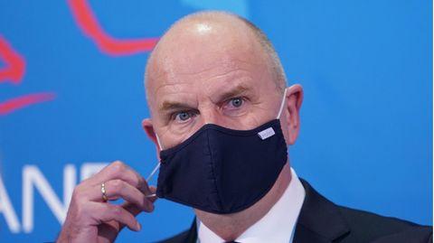 Brandenburgs Ministerpräsident Dietmar Woidke verteidigt Abweichen von bundesweiter Coronavirus-Notbremse