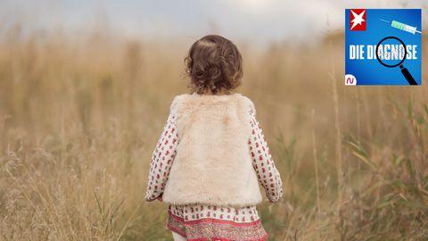 Diagnose-Podcast:Einem Kind fallen die Haare aus – was steckt dahinter?